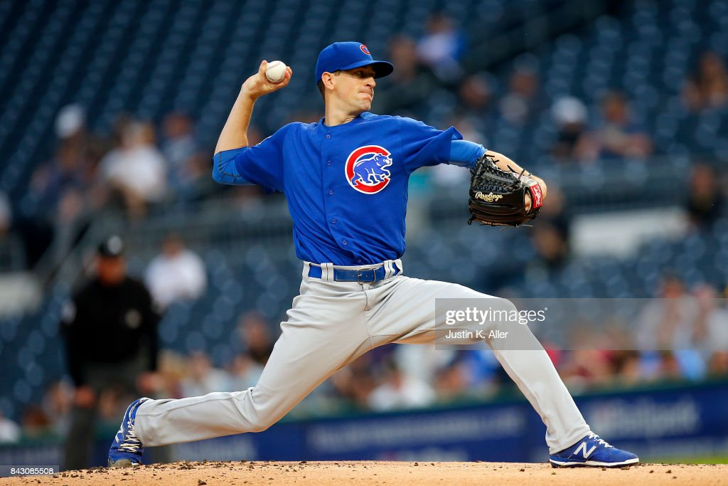 Kyle Hendricks #28 of the Chicago Cubs pitches in the first inning against the Pittsburgh Pirates at PNC Park on September 5, 2017 in Pittsburgh, Pennsylvania.