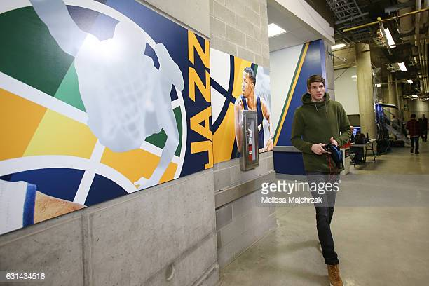 Kyle Korver of the Cleveland Cavaliers arrives before the game against the Utah Jazz on January 10 2017 at vivintSmartHome Arena in Salt Lake City...