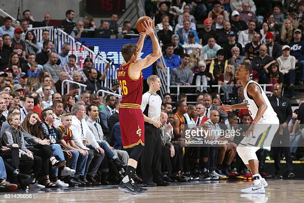 Kyle Korver of the Cleveland Cavaliers shoots the ball against Rodney Hood of the Utah Jazz during the game on January 10 2017 at vivintSmartHome...