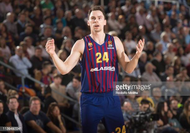 Kyle Kuric #24 of FC Barcelona Lassa in action during the Turkish Airlines EuroLeague Play Off game 4 between FC Barcelona Lassa v Anadolu Efes...