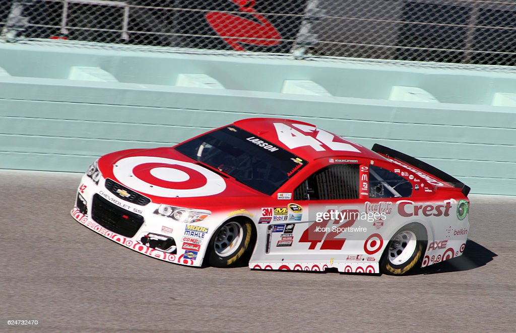 Kyle Larson runs during the NASCAR Sprint Cup Series - Ford EcoBoost 400 at Homestead Miami Speedway, Homestead, FL on November 20, 2016.
