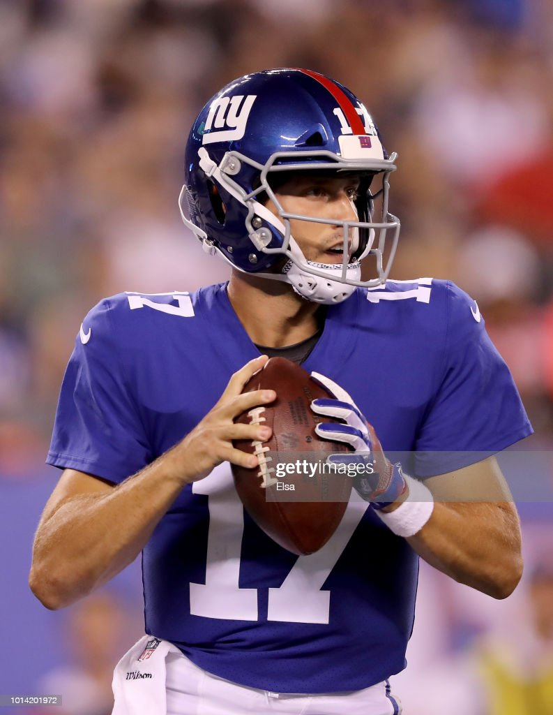Kyle Lauletta #17 of the New York Giants looks to pass in the fourth quarter against the Cleveland Browns during their preseason game on August 9,2018 at MetLife Stadium in East Rutherford, New Jersey.
