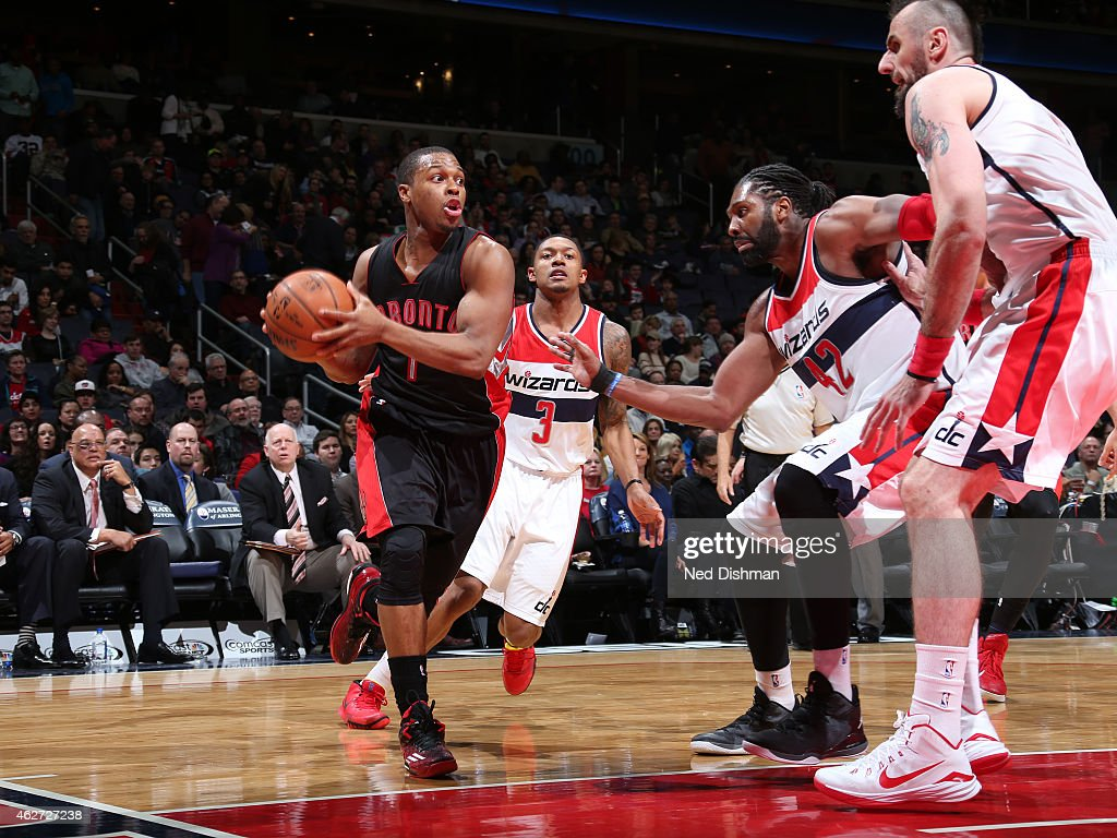 Kyle Lowry #7 of the Toronto Raptors drives against the Washington Wizards on January 31, 2015 at Verizon Center in Washington, DC.