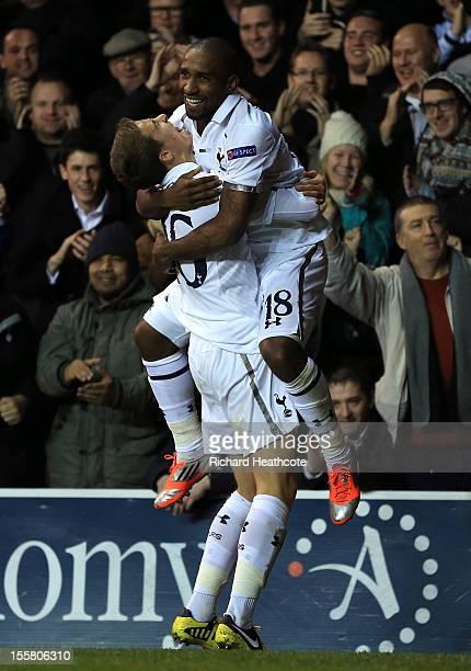 Kyle Naughton of Tottenham Hotspur congratulates goalscorer Jermain Defoe of Tottenham Hotspur during the UEFA Europa League group J match between...