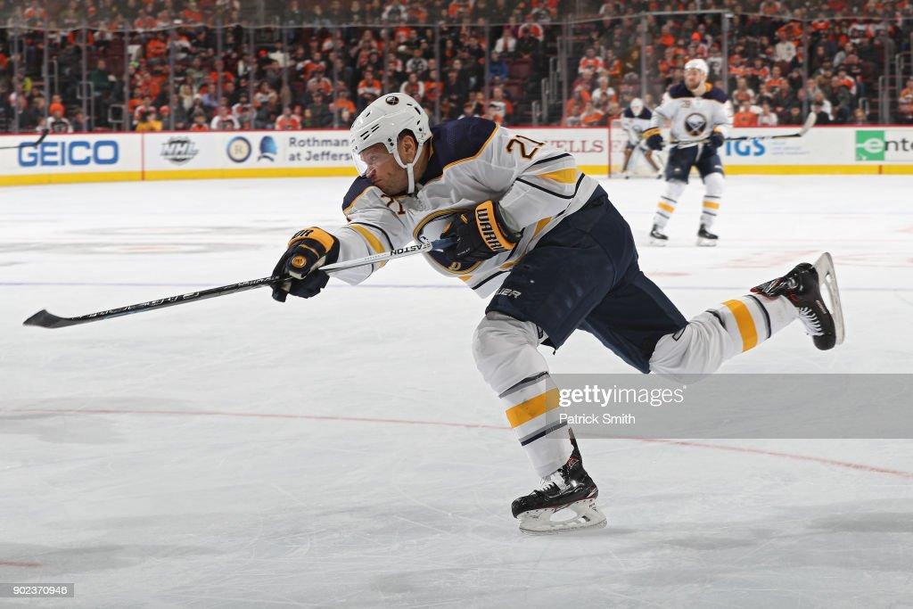 Buffalo Sabres v Philadelphia Flyers : News Photo