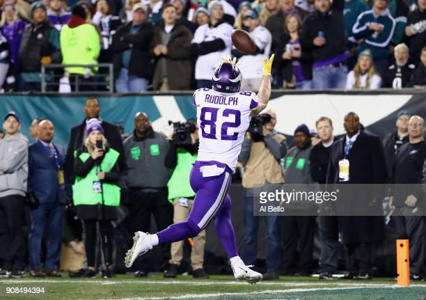Kyle Rudolph of the Minnesota Vikings scores a first quarter touchdown reception against the Philadelphia Eagles in the NFC Championship game at...