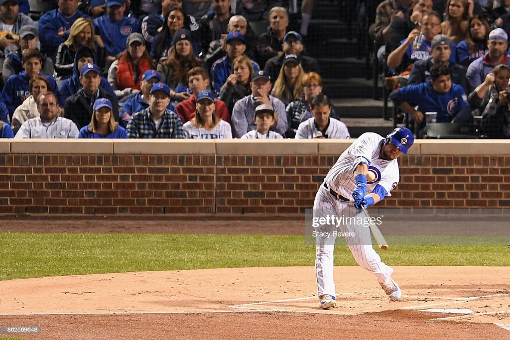League Championship Series - Los Angeles Dodgers v Chicago Cubs - Game Three : News Photo