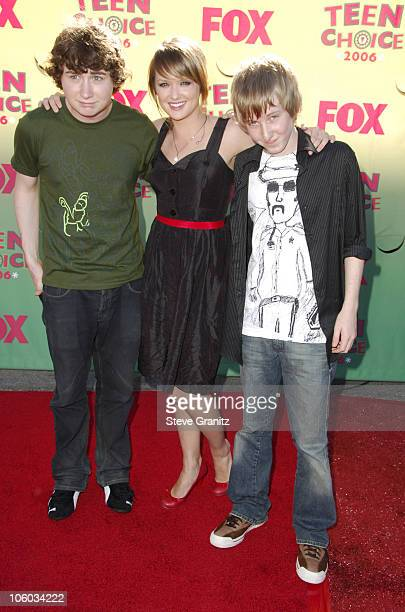 Kyle Sullivan Kaylee DeFer and Dean Collins during 2006 Teen Choice Awards Arrivals at Gibson Amphitheatre in Universal City California United States