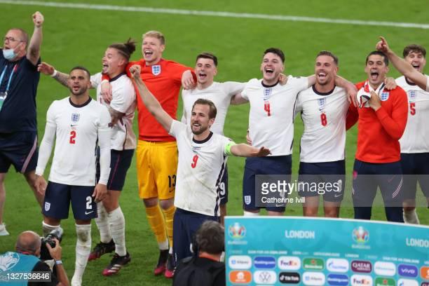 Kyle Walker, Kalvin Phillips, Aaron Ramsdale, Harry Kane, Mason Mount, Declan Rice, Jordan Henderson, Conor Coady and John Stones of England...