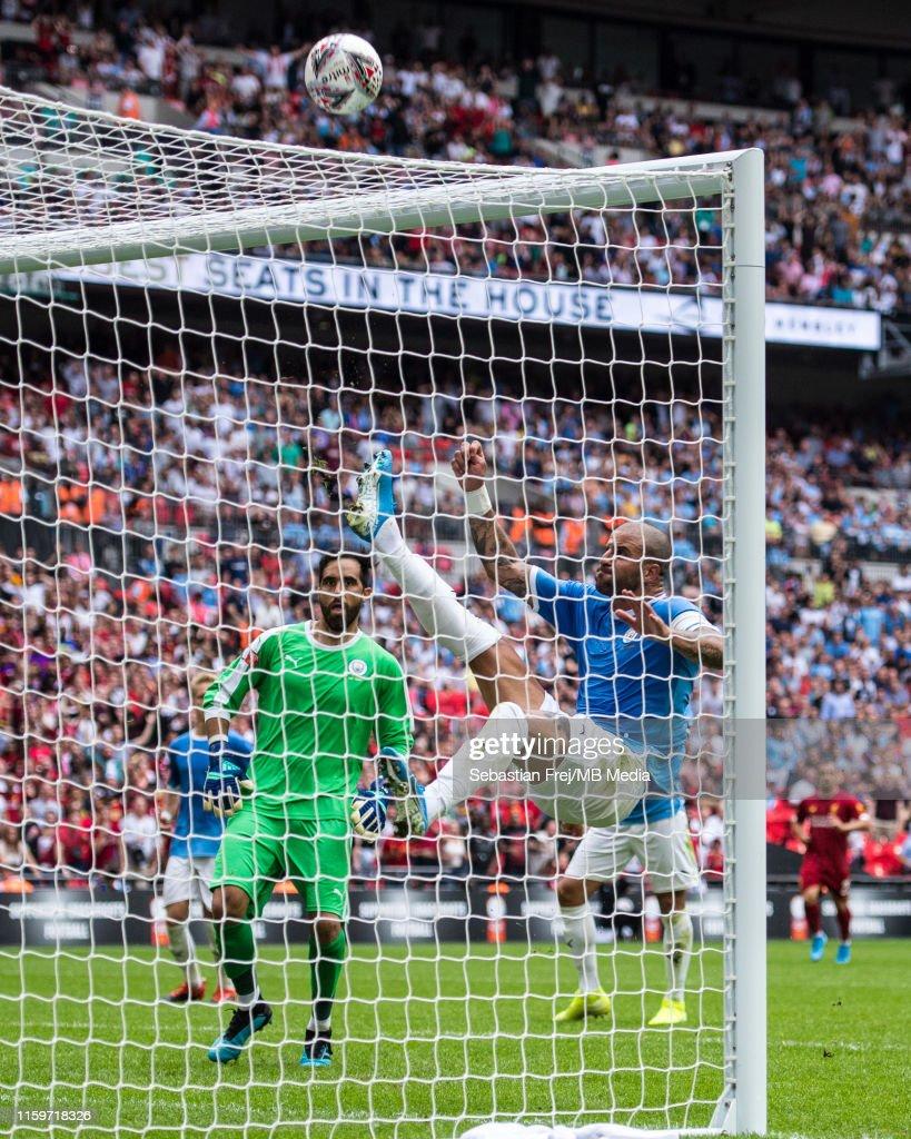 Liverpool v Manchester City - FA Community Shield : ニュース写真