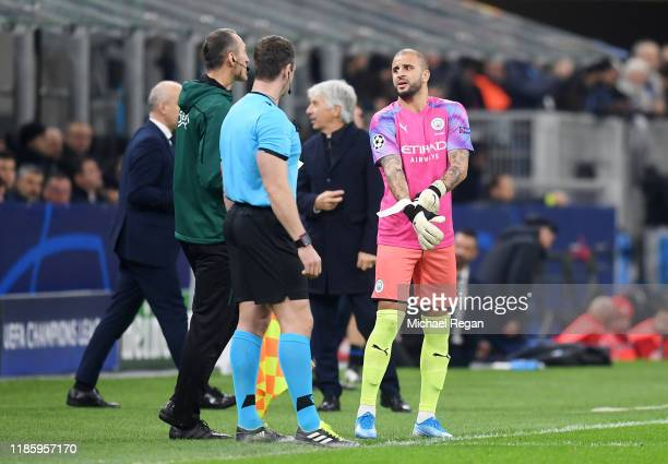 Kyle Walker of Manchester City prepares to go in goal after Claudio Bravo of Manchester City received a red card during the UEFA Champions League...