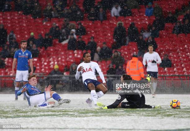 Kyle WalkerPeters of Tottenham Hotspur scores the sixth goal past Josh Lillis of Rochdale during the Emirates FA Cup Fifth Round Replay match between...