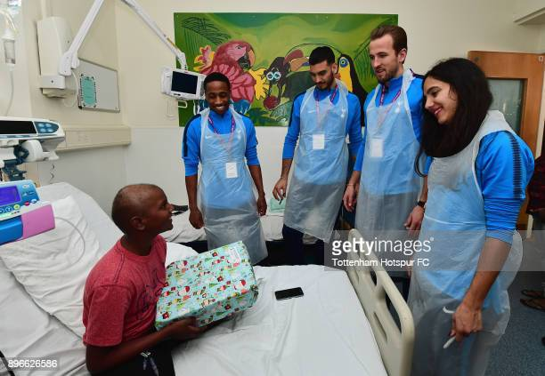 Kyle WalkerPeters Paulo Gazzaniga Harry Kane and Maya Vio meet a young patient during a Tottenham Hotspur player visit at Whipps Cross Hospital on...