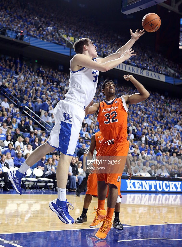 Kyle Wiltjer #33 of the Kentucky Wildcats shoots the ball during the game against the Auburn Tigers at Rupp Arena on February 9, 2013 in Lexington, Kentucky.