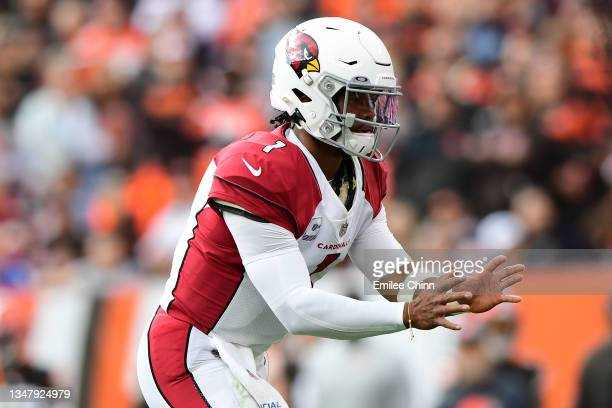 Kyler Murray of the Arizona Cardinals waits for the snap during a game against the Cleveland Browns at FirstEnergy Stadium on October 17, 2021 in...