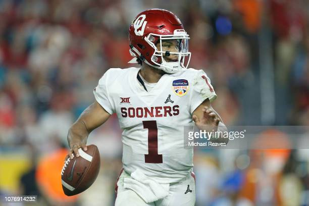 Kyler Murray of the Oklahoma Sooners looks to pass against the Alabama Crimson Tide during the College Football Playoff Semifinal at the Capital One...