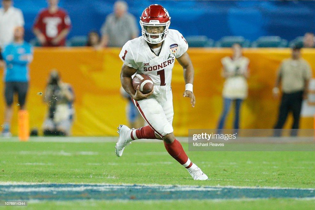 College Football Playoff Semifinal at the Capital One Orange Bowl - Alabama v Oklahoma : News Photo