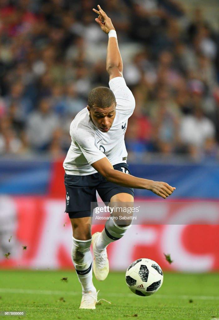 France v Italy - International Friendly match : News Photo
