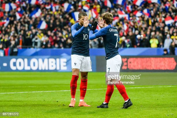 Kylian Mbappe and Antoine Griezmann of France celebrates during the International friendly match between France and Colombia on March 23 2018 in...