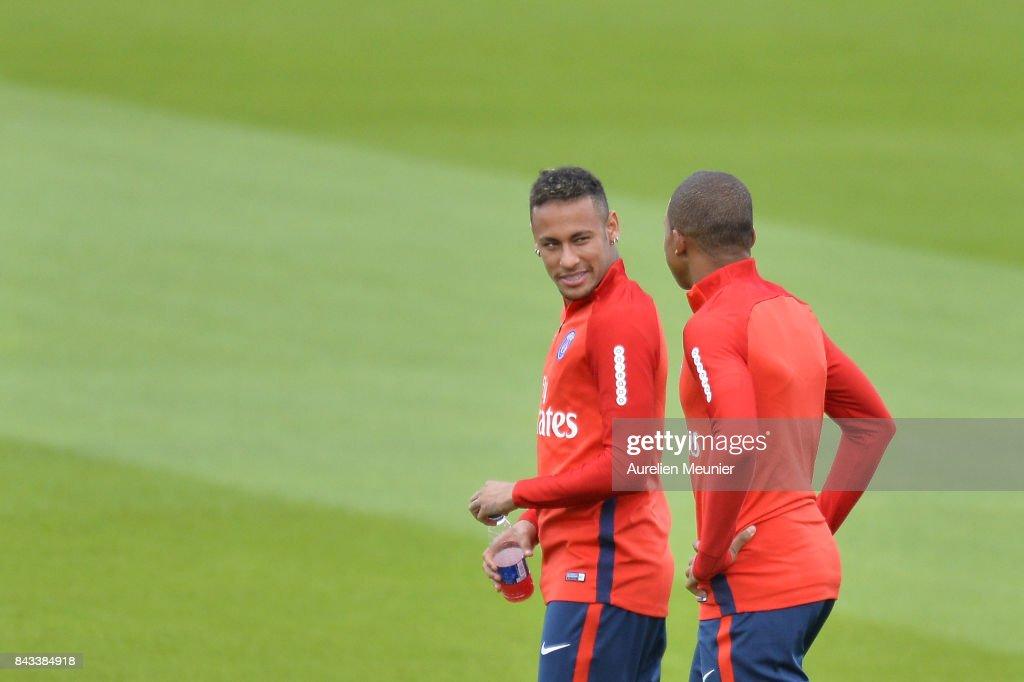 Paris Saint Germain Training Session : News Photo