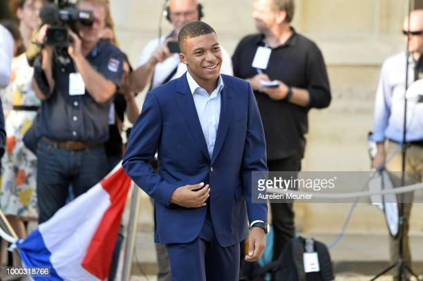 Kylian Mbappe arrives as French President Emmanuel Macron receives the France football team during a ceremony at the Elysee Palace on July 16 2018 in...