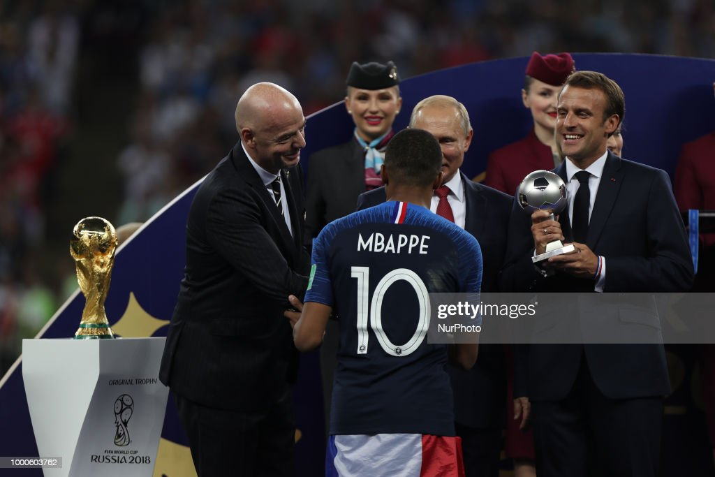 France v Croatia - 2018 FIFA World Cup Russia Final : News Photo