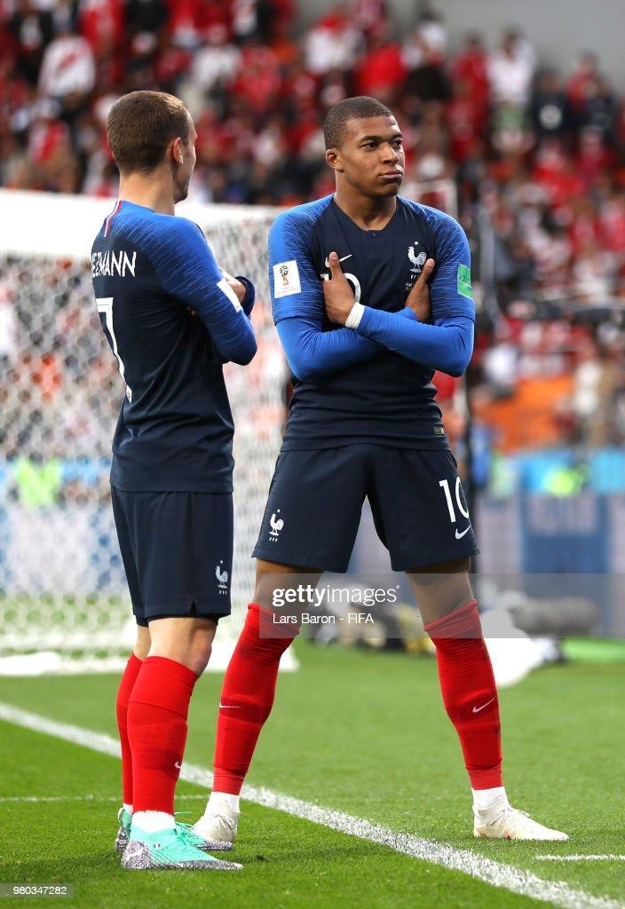 France 1 - 0 Peru - FIFA World Cup Russia 2018
