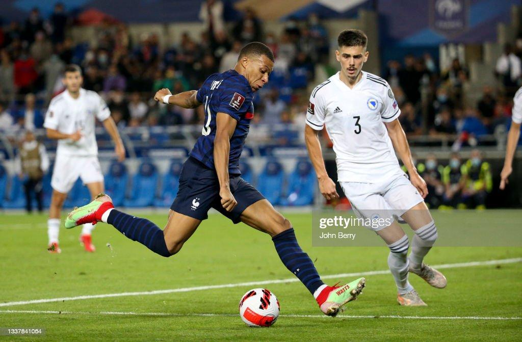 France v Bosnia-Herzegovina - 2022 FIFA World Cup Qualifier : Photo d'actualité