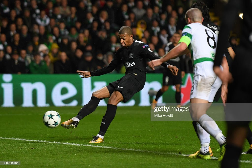 Kylian Mbappe of Paris Saint Germain scores during the UEFA Champions League Group B match between Celtic and Paris Saint Germain at Celtic Park on September 12, 2017 in Glasgow, Scotland.