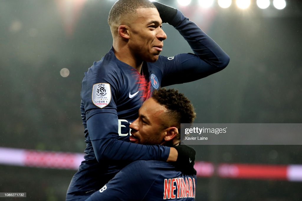 Paris Saint-Germain v EA Guingamp - Ligue 1 : News Photo