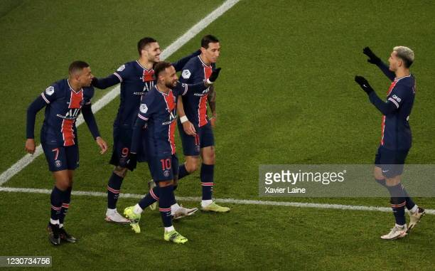 Kylian Mbappe of Paris Saint-Germain celebrate his goal with Neymar Jr, Mauro Icardi, Angel Di Maria and Leandro Paredes during the Ligue 1 match...