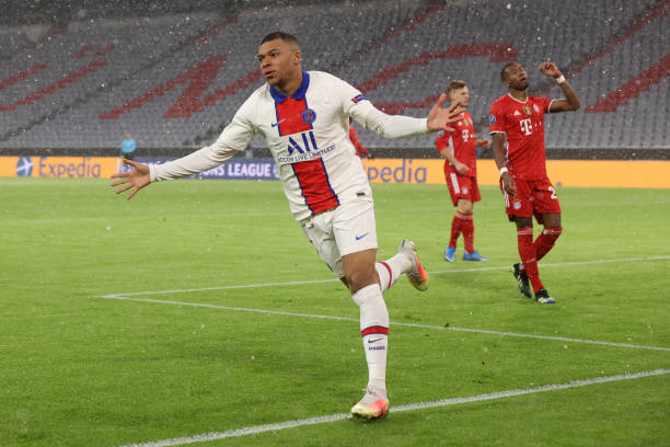 DEU: FC Bayern Munich v Paris Saint-Germain - UEFA Champions League Quarter Final: Leg One