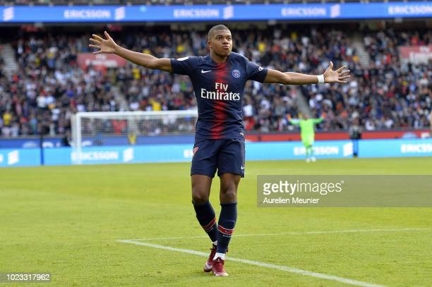 Kylian Mbappe of Paris SaintGermain celebrates his goal during the Ligue 1 match between Paris SaintGermain and Angers SCO at Parc des Princes on...