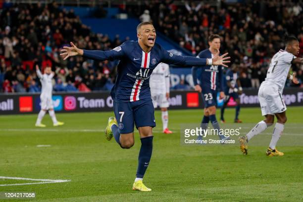 Kylian Mbappe of Paris Saint-Germain celebrates his goal during the Ligue 1 match between Paris Saint-Germain and Dijon FCO at Parc des Princes on...