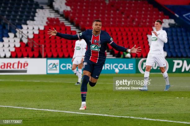 Kylian Mbappe of Paris Saint-Germain celebrates his goal during the French cup match between Paris Saint-Germain and Lille OSC at Parc des Princes on...