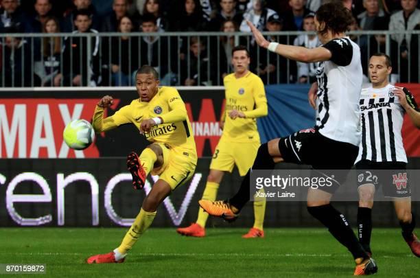 Kylian Mbappe of Paris SaintGermain in action during the Ligue 1 match between Angers SCO and Paris Saint Germain at Stade Raymond Kopa on November 4...
