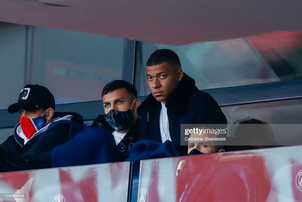 Paris Saint-Germain v RC Lens - Ligue 1 Uber Eats : News Photo