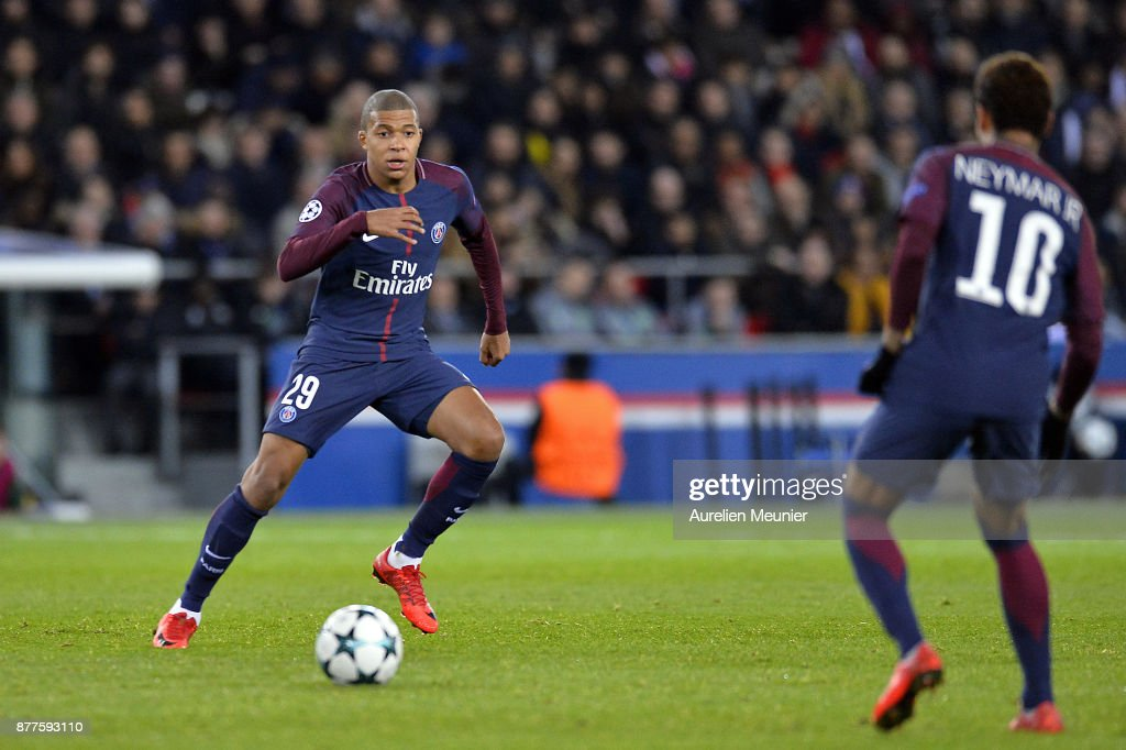 Kylian Mbappe of Paris Saint-Germain passes the ball during the UEFA Champions League group B match between Paris Saint-Germain and Celtic Glasgow at Parc des Princes on November 22, 2017 in Paris, France.