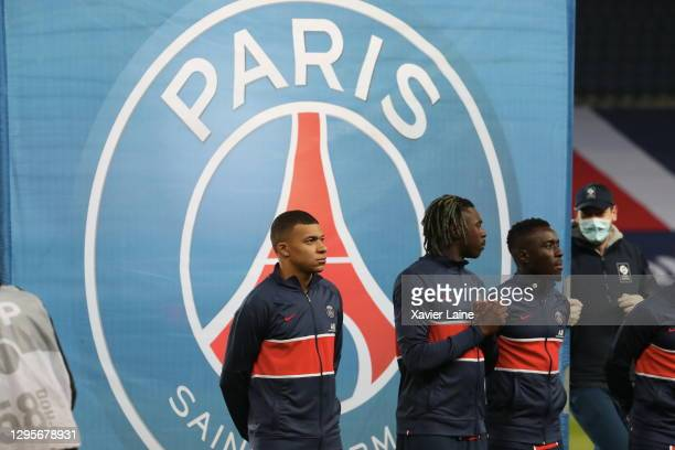 Kylian Mbappe of Paris Saint-Germain pose with Moise Kean and Idrissa Gueye before the Ligue 1 match between Paris Saint-Germain and Stade Brest at...