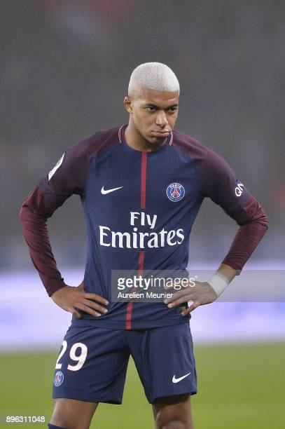 Kylian Mbappe of Paris SaintGermain reacts during the Ligue 1 match between Paris Saint Germain and SM Caen at Parc des Princes on December 20 2017...