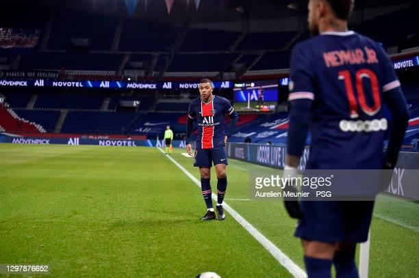 Kylian Mbappe of Paris Saint-Germain waits for Neymar Jr during the Ligue 1 match between Paris Saint-Germain and Montpellier HSC at Parc des Princes...