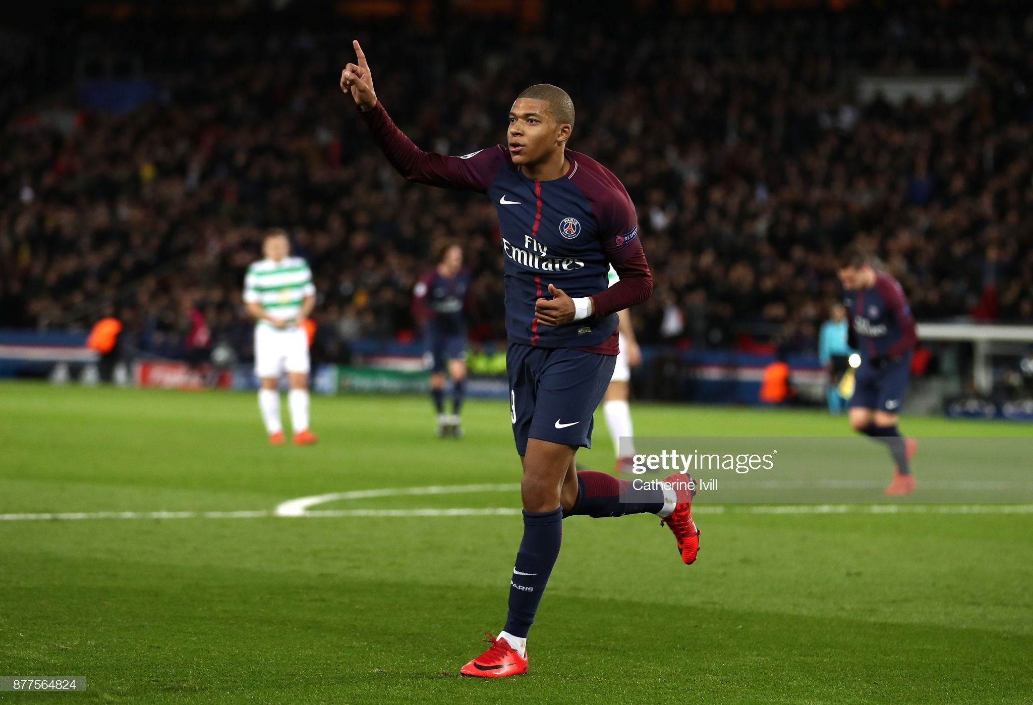 Paris Saint-Germain v Celtic FC - UEFA Champions League : News Photo