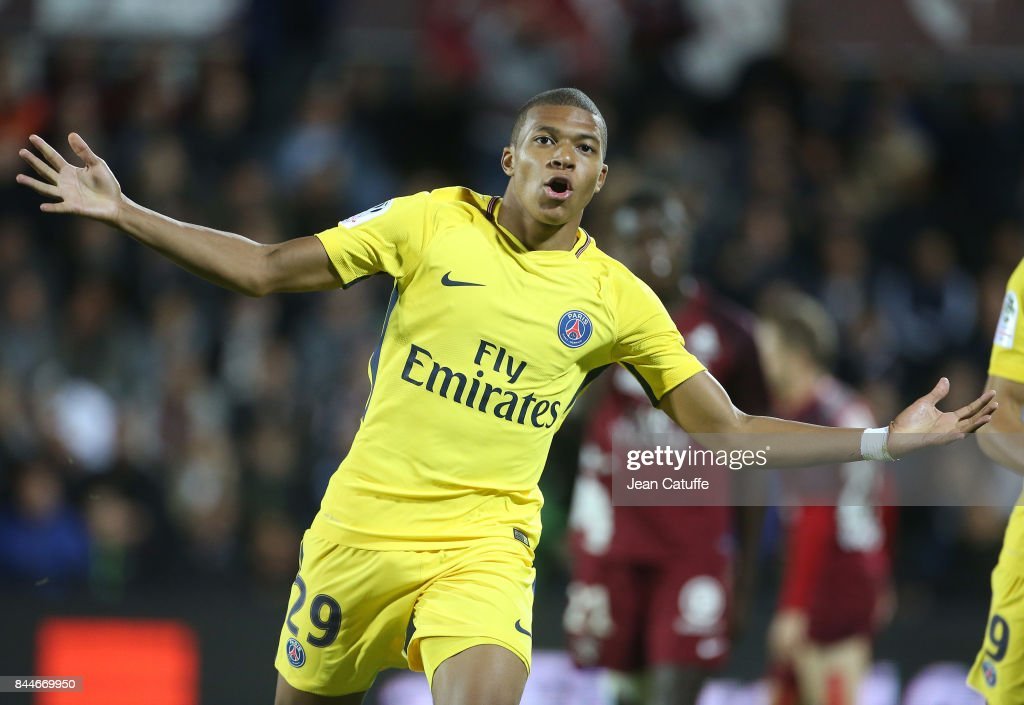Kylian Mbappe of PSG celebrates his goal during the French Ligue 1 match between FC Metz and Paris Saint Germain (PSG) at Stade Saint-Symphorien on September 9, 2017 in Metz, France.