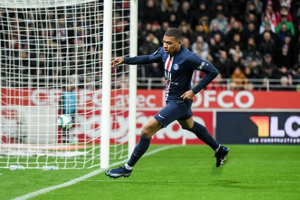 Championnat de France de football LIGUE 1 2018-2019-2020 - Page 31 Kylian-mbappe-of-psg-celebrates-his-goal-during-the-ligue-1-match-picture-id1179379342?k=6&m=1179379342&s=612x612&w=0&h=nad_xJEs9zM2S3ZPoBH4AHBULjS0ayhHs9TNj8DfHN8=