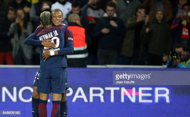 Kylian Mbappe of PSG celebrates his goal with Neymar Jr during the French Ligue 1 match between Paris Saint Germain and Olympique Lyonnais at Parc...