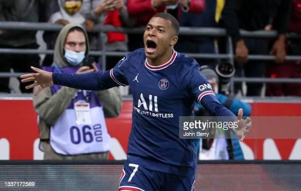 Kylian Mbappe of PSG celebrates his second goal during the Ligue 1 Uber Eats match between Stade Reims and Paris Saint Germain at Stade Auguste...