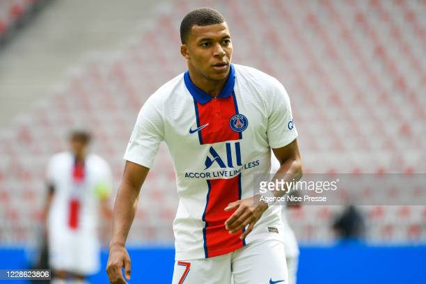 Kylian MBAPPE of PSG during the Ligue 1 match between OGC Nice and Paris Saint-Germain at Allianz Riviera on September 20, 2020 in Nice, France.