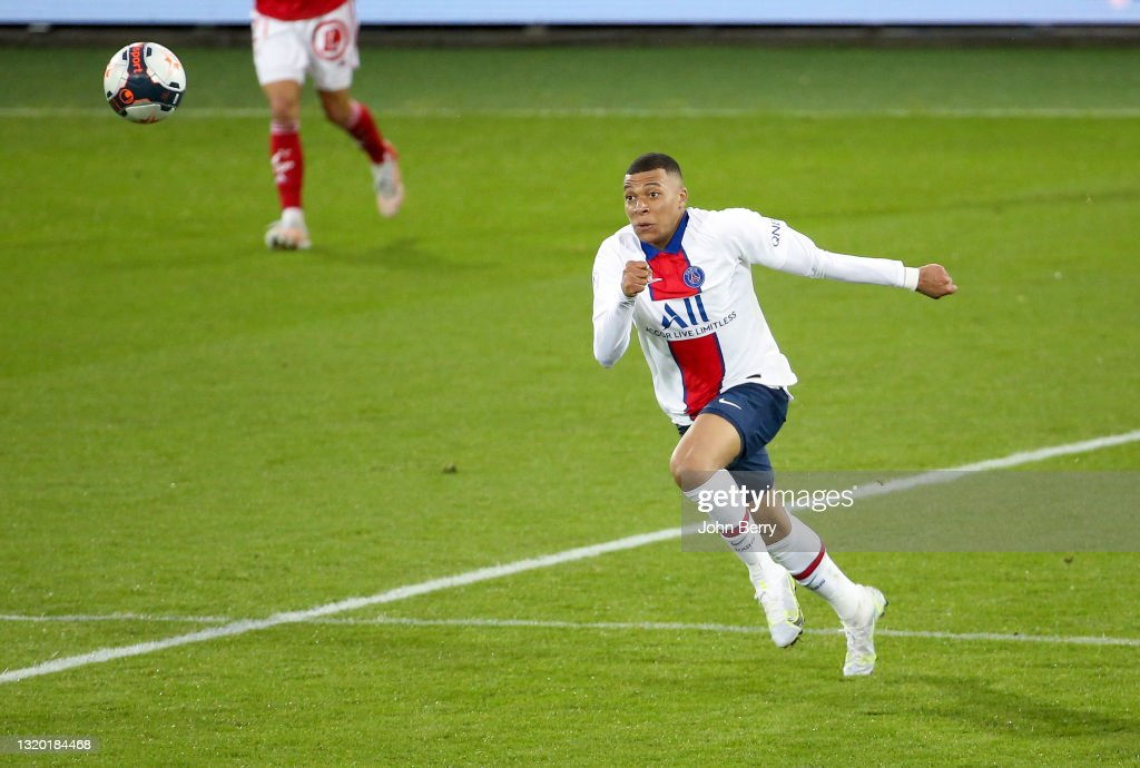 Stade Brestois v Paris Saint-Germain - Ligue 1 : ニュース写真