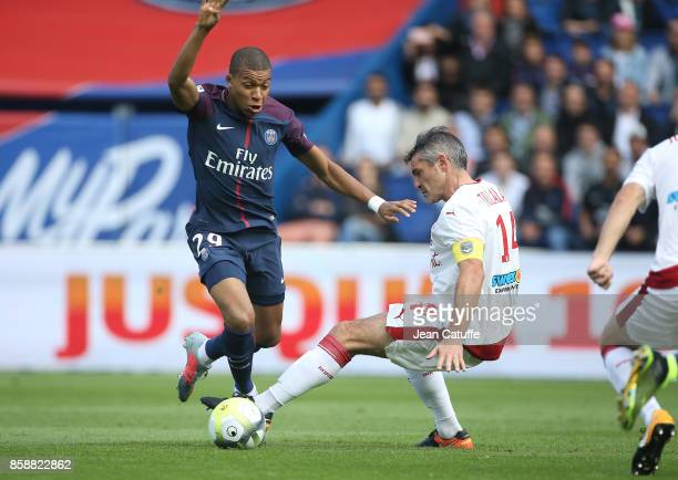 Kylian Mbappe of PSG Jeremy Toulalan of Girondins de Bordeaux during the French Ligue 1 match between Paris SaintGermain and FC Girondins de Bordeaux...