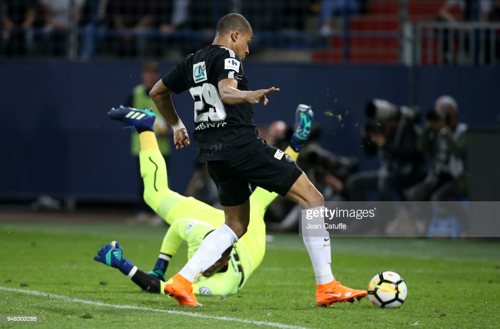 SM Caen v Paris Saint Germain - French Cup